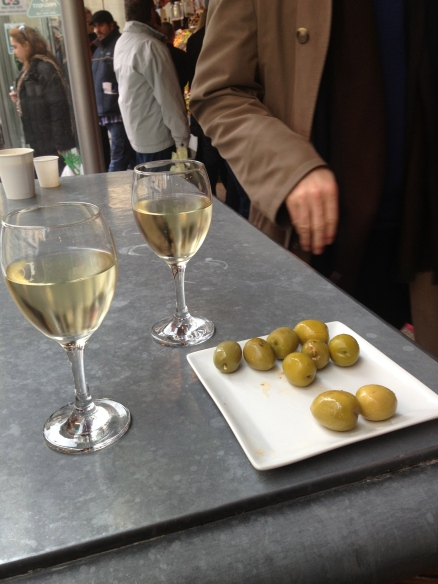 A little snack at the Mercado.  Are those olives gorgeous?